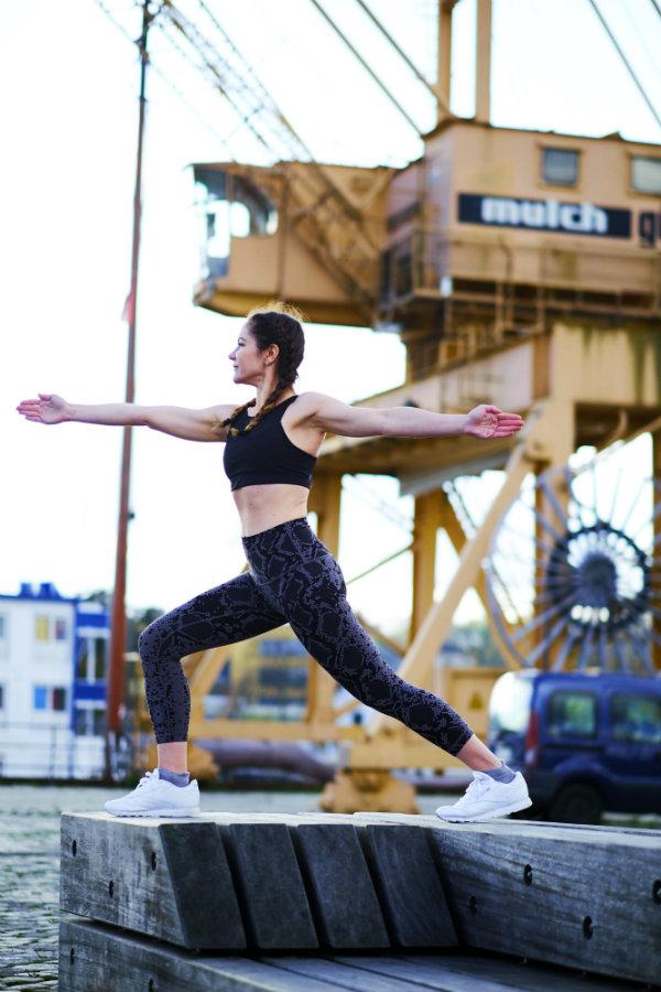 Yoga Übung der Krieger