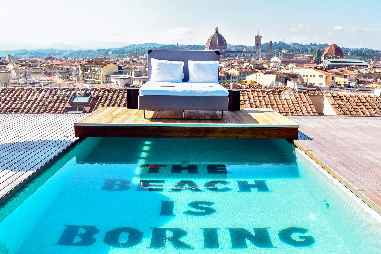 The Student Hotel hat eine Panorama Dachterrasse mit Pool